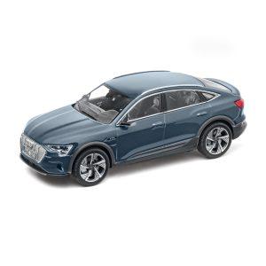 Модель в миниатюре Audi e-tron Sportback, Plasma Blue, масштаб 1:43