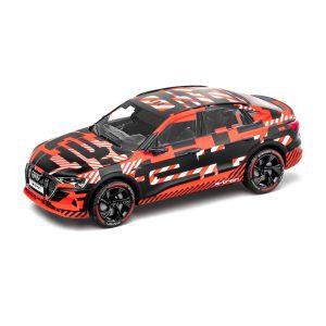 Модель в миниатюре Audi e-tron Sportback, Black/Red, масштаб 1:43