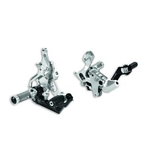 Регулируемые подножки водителя из алюминия Ducati 899 / 959 / 1199 / 1299 / R Panigale